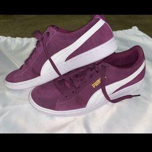 Purple pumas